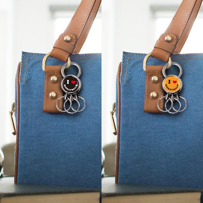 3連キーホルダー スマイル柄 バスケットボール 女性バッグ 使用例